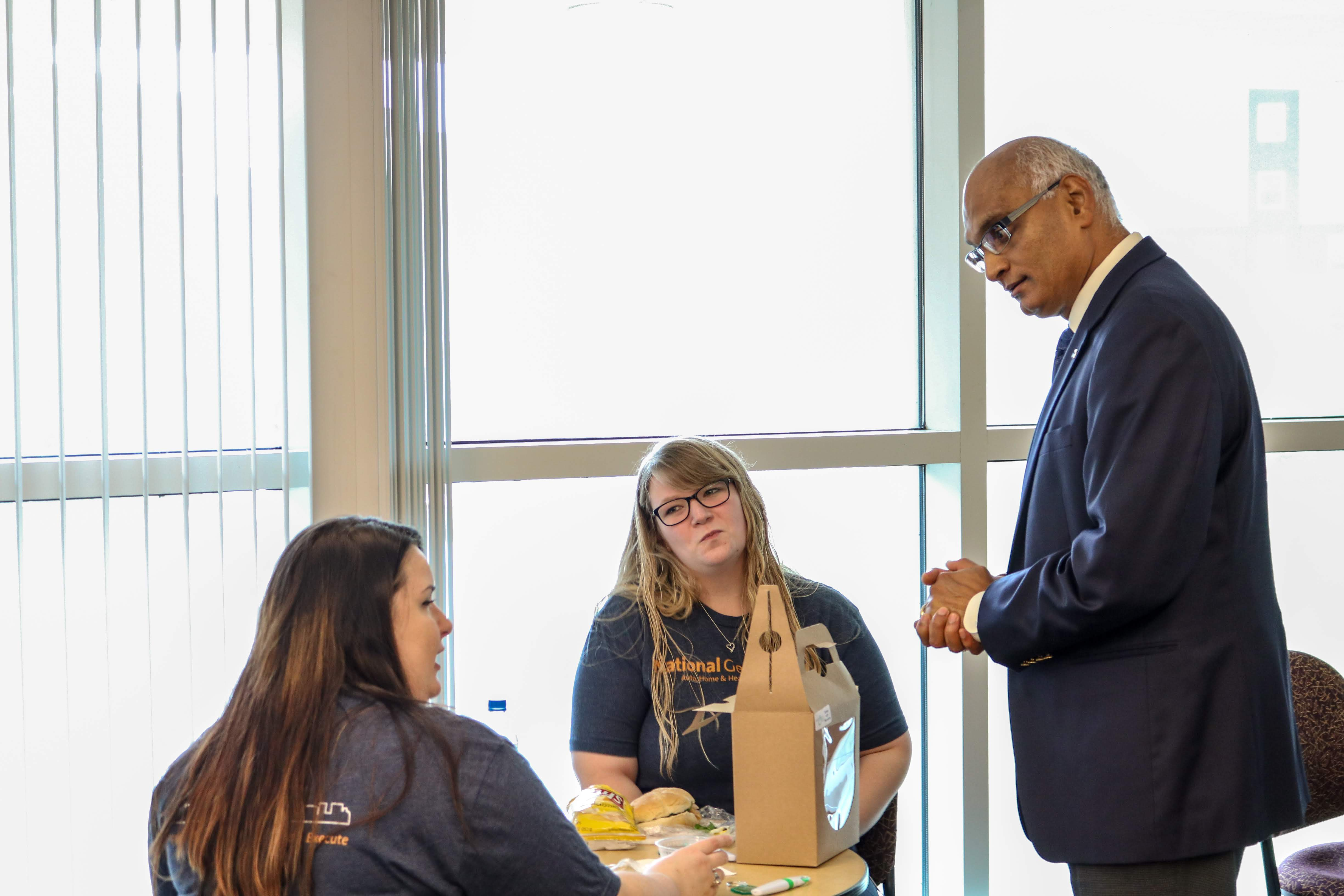 Dean Sanjay Putrevu and Employers at the 2018 Business Internship and Co-op Expo