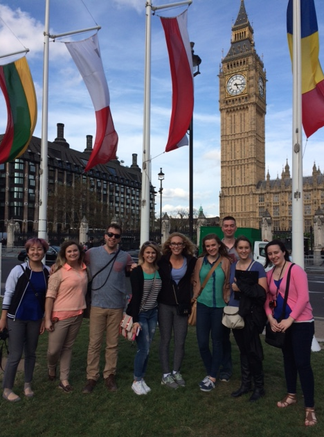 Cleveland State University Students in London England on a Faculty-Led Study Abroad Tour